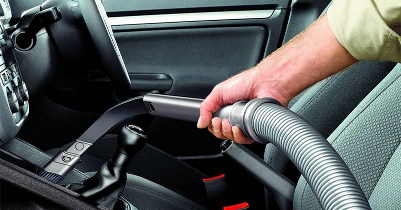 Nettoyer l 39 int rieur de sa voiture abc de l 39 auto perpignan for Renovation voiture interieur